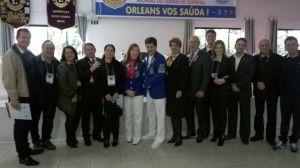 Companheiros e Companheiras do Lions Clube Palhoça com o DG CL Mário Salvador.